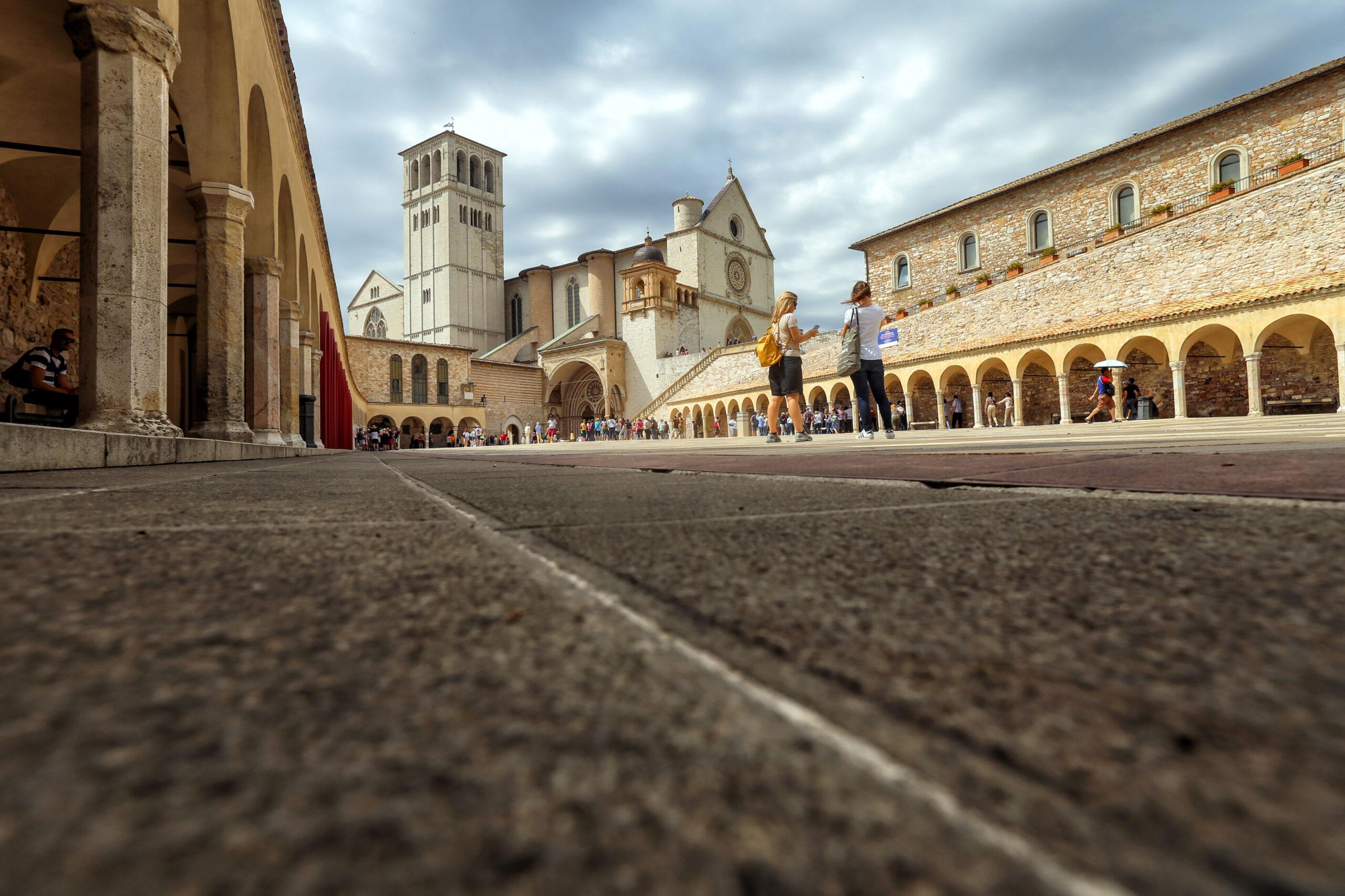 motoevasioni basilica maggiore di San Francesco di Assisi